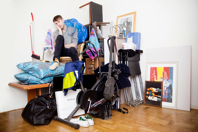 calle with all his belongings