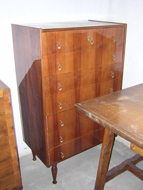 Vecchia cassettiera