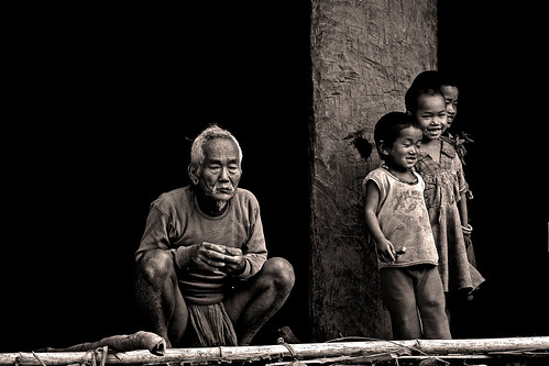 Grandfather and grandchildrens