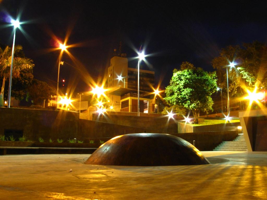 Imagen del Parque Cafetero de Armenia durante una noche silenciosa