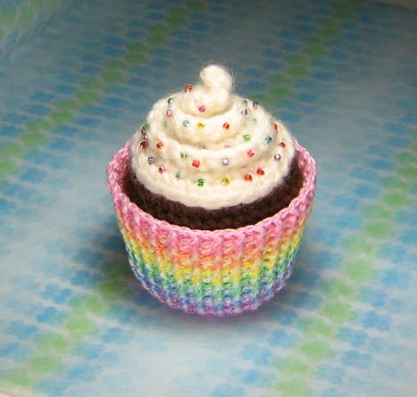 Cupcake Amigurumi Patron Gratis : Amigurumi Cupcake Plush Amigurumi Cupcake Plush with ...