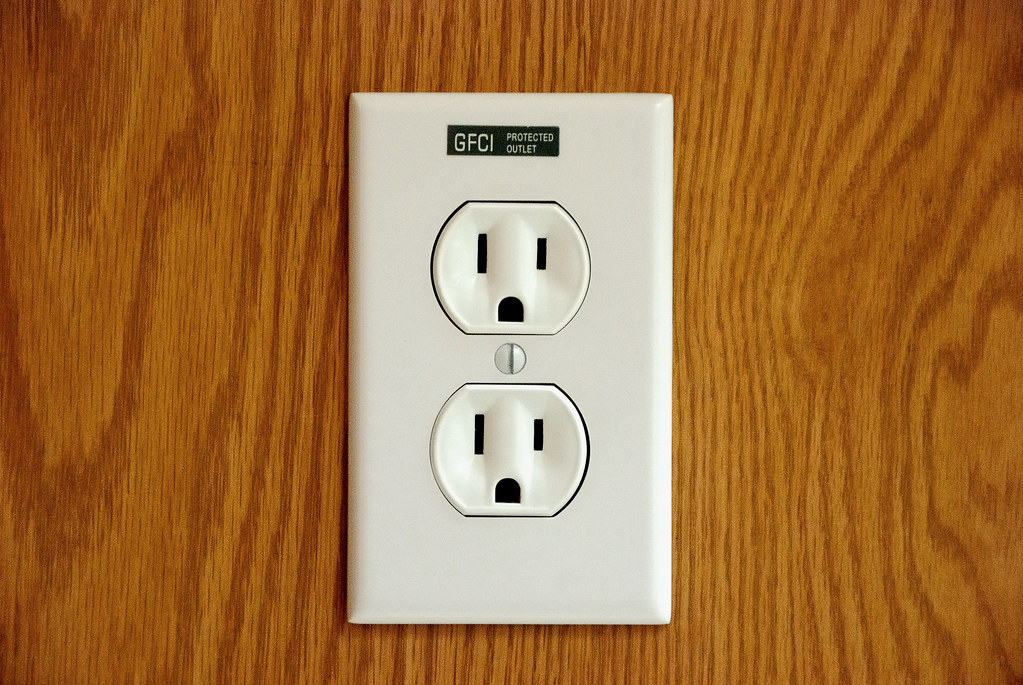 119 - Outlet