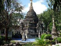 Полузаброшенный храм