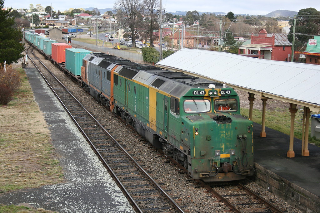 Patrick's 8172 Container service by Robert Cook