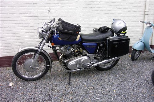 Norton Commando750