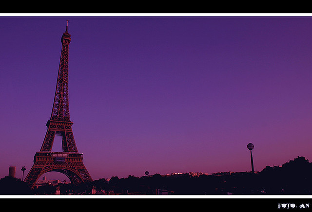 Parigi. Torre Eiffel. Sunset in Paris.
