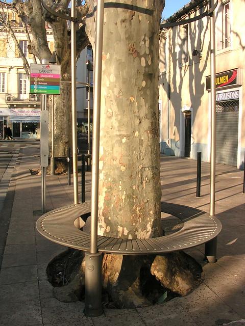 Banc autour d 39 un arbre nimes fr30 flickr photo sharing for Bordure autour d un arbre
