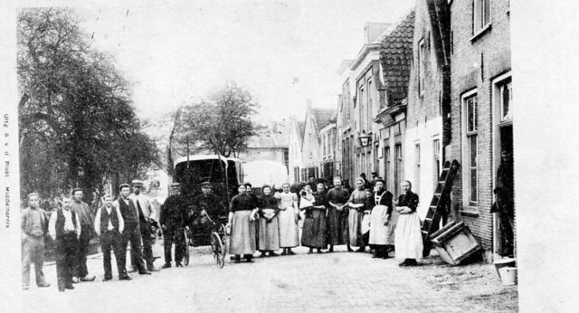 picture from NIEUWE - TONGE  , a small place on the former island of Goeree-Overflakkee in The Netherlands ,  100 years ago