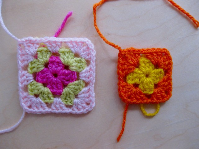 how to join 2 granny squares