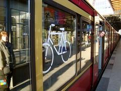 cable car(0.0), tram(0.0), metropolitan area(1.0), passenger(1.0), vehicle(1.0), train(1.0), transport(1.0), public transport(1.0), rolling stock(1.0), rapid transit(1.0),