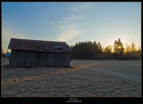 barn sunrise finland geotagged olympus freeze zuiko e510 blueribbonwinner theperfectphotographer sautio geo:lat=60390876 geo:lon=25116742