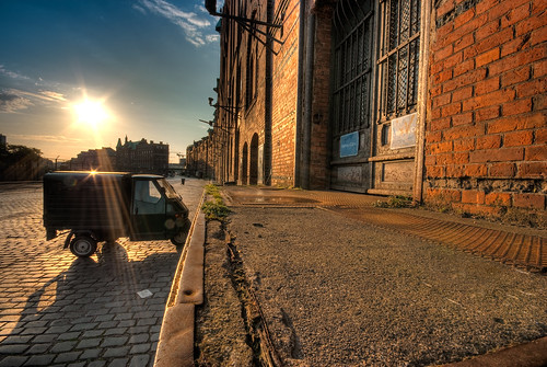 morning sun brick germany harbour hamburg warehouse cobblestone brook hafen speicherstadt elbe neugotik lagerhaus photomatix andreasmeyer