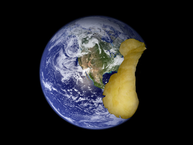 Apple Earth, Nikon COOLPIX S50