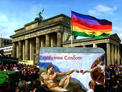Habemus Condom.