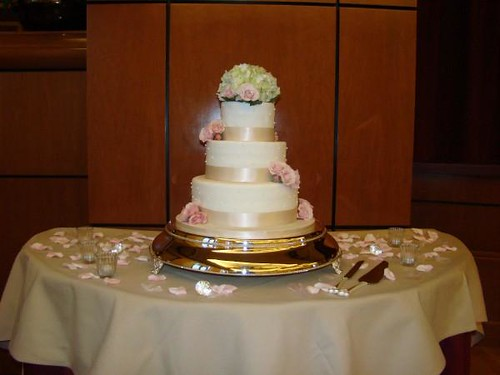champagne ribbon wedding cake 3 tier round cake wrapped with an champagne