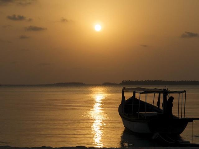 Sunrise - view from room @ Bangaram Resort
