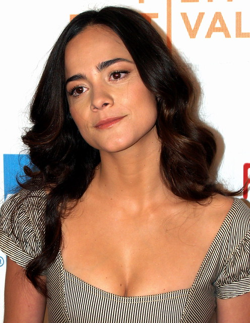 Header of Alice Braga