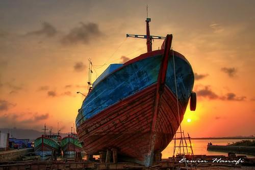 "sunset indonesia java ship central hdr dockyard blueribbonwinner otw cilacap platinumheartaward theperfectphotographer goldstaraward flickrestrellas goldenart ""flickraward"" musicsbest dragonsdanger flickrunitedaward"