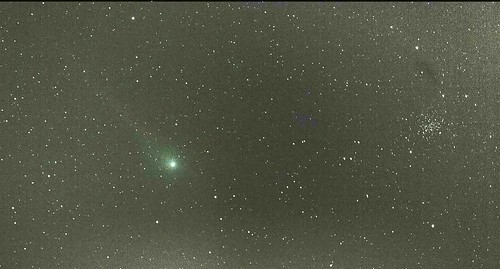 Comet Lulin with faint tail visits star cluster (NGC 2420)