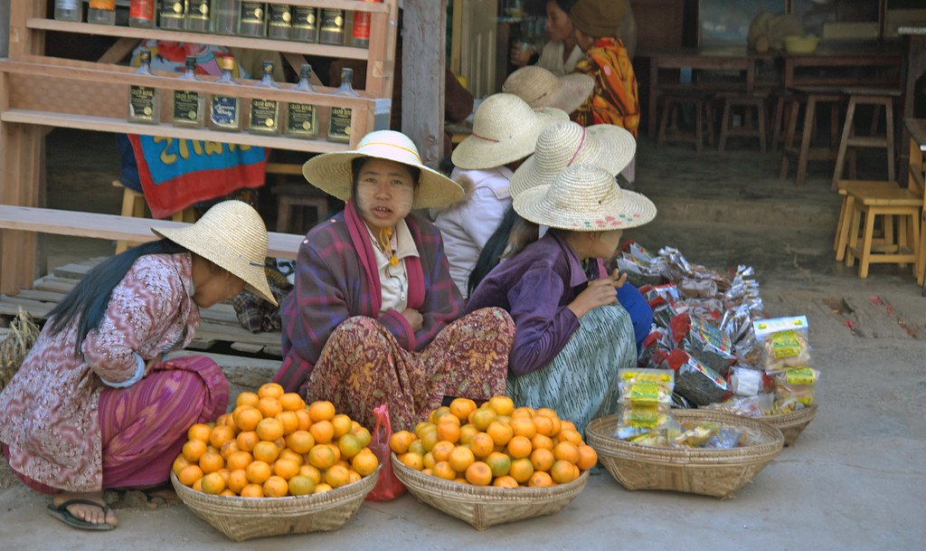 Market Ladies 2, Myanmar