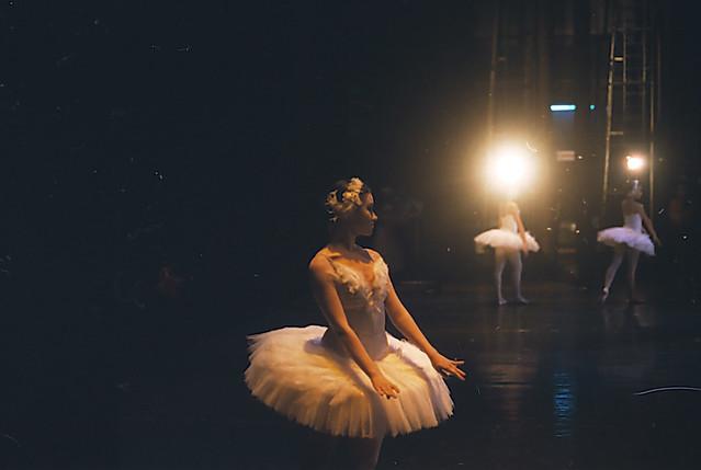 Bolshoi balerian,ballerina   (swan lake)
