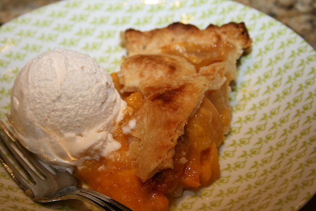 peach pie a la mode