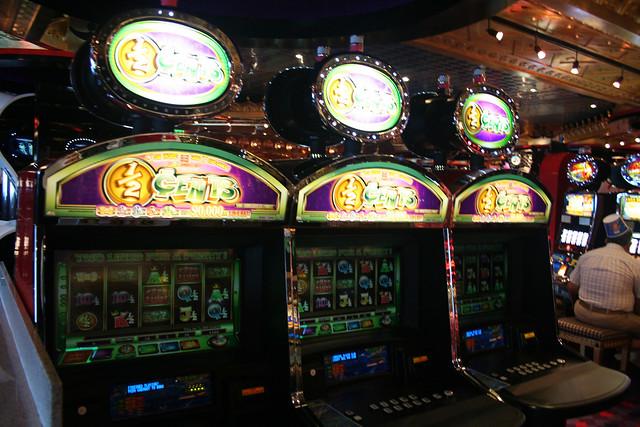 Carnival cruise casino use cash