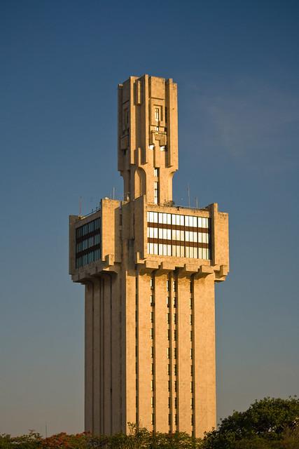 Construcciones socialistas de aspecto futurista 5735598244_ae03d93326_z