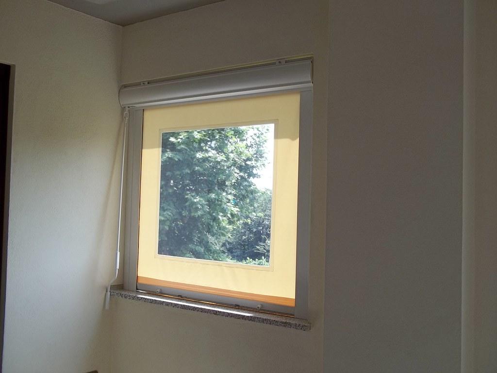 Tende Per Finestra Con Cassonetto : Tende ermetiche con cassonetto telo in pvc e finestra in cu2026 flickr