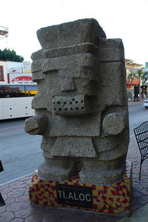 "Dios de la Lluvia (TLALOC) tijuana - 3360319406 3bc0990dcc o - Tijuana, La ciudad frontera con ""otro mundo"""