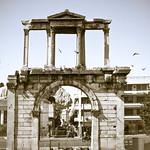 Afbeelding van Poort van Hadrianus. 132ad acropolis archofhadrian athens gatebetweenancientcityandromancityofathens greece c14 cfpti17
