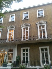 window, building, sash window, property, estate, mansion, residential area, facade, apartment, home, historic house,