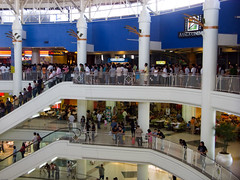 airport(0.0), outlet store(0.0), food court(0.0), airport terminal(0.0), plaza(0.0), retail-store(0.0), shopping(1.0), building(1.0), shopping mall(1.0),