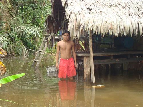 Shelter flooding: Water continues to rise / El abergue entre inundaciones: El agua sigue subiendo