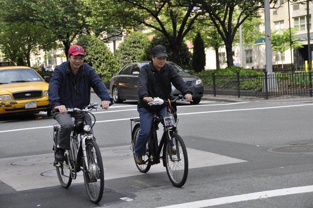 cyclist.electric bikes