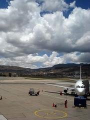 Nuestro avión. Cusco, Perú.  Our plane. Cusco, Peru.