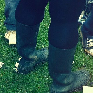 Some people are not built for wellies #londonfeis #gigs #iphonography #iphoneography #mean