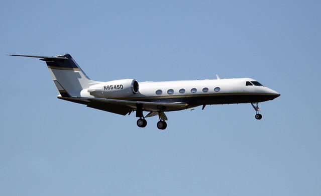 Gulfstream G-IV - N854SD at HOU
