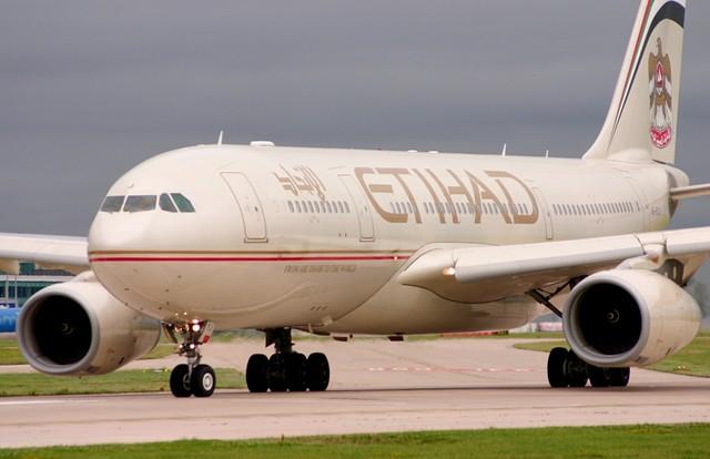 Etihad Airbus A330 @ Manchester