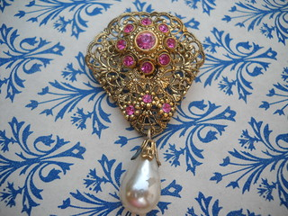 Saturday Yard Sale Finds - Vintage PInk Brooch Pin