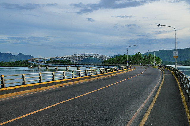 San Juanico Bridge http://www.flickr.com/photos/ronrag/3579518045/