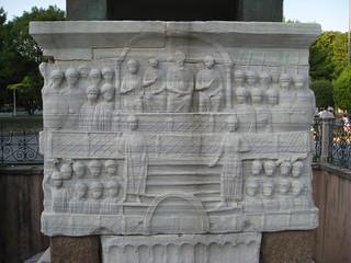 صورة Obelisk of Theodosius قرب Eminönü. sculpture history turkey egypt istanbul carving obelisk granite marble byzantine hippodrome hieroglyphic