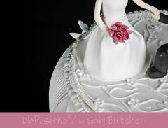 wedding ceremony supply(0.0), cake(1.0), flower(1.0), buttercream(1.0), white(1.0), fondant(1.0), sugar paste(1.0), food(1.0), cake decorating(1.0), icing(1.0), birthday cake(1.0), torte(1.0), wedding cake(1.0), pink(1.0), petal(1.0),