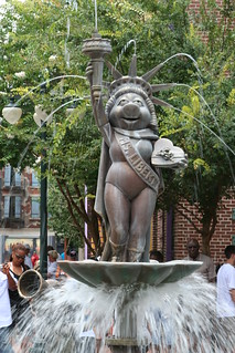 Miss Piggy Fountain - Disney's Hollywood Studios (Muppets) | by JeffChristiansen