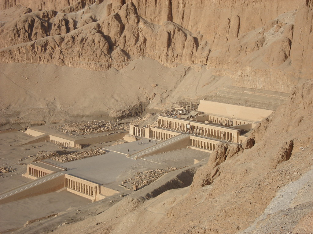 Luxor, Hatchepsut's memorial temple Djeser Djeseru