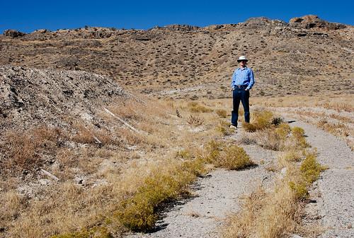 terrain selfportrait hat training self landscape geotagged person utah track desert military ww2 1200 berm worldwar2 wendover lightroom tilley topography joetripod ut2006oct leppyhills tokiotrolley tokyotrolley