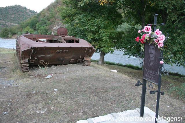 Fotografias Tanques de Guerra no Alto Carabaque