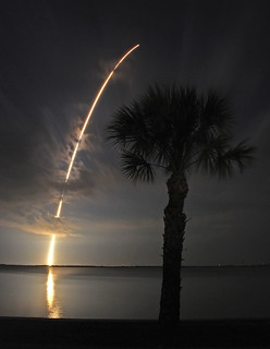 Atlas night launch 4_3_09