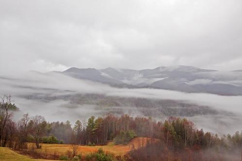 trip cloud mist mountain nature fog march path scenic 2009 restarea northcarolinatrip i26 canon50d