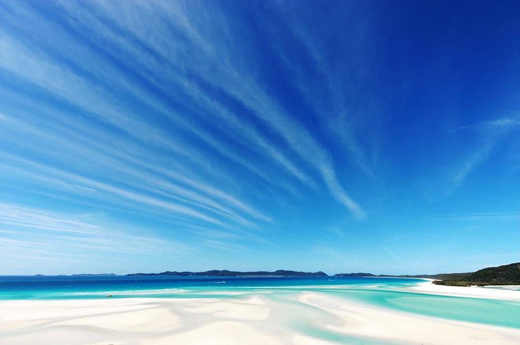 気持ちをリフレッシュさせたい貴方へ。世界の「青い海の絶景」5選